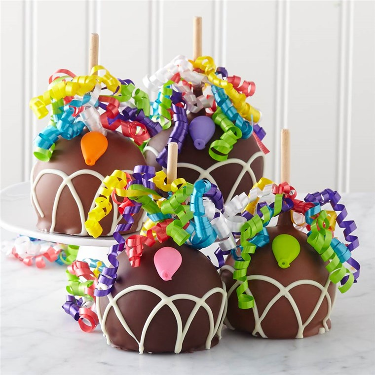 On your 6th wedding anniversary, celebrate your marriage with a traditional gift of candy or iron. Shop FindGift for home decor, personalized keepsakes and gourmet gift baskets.