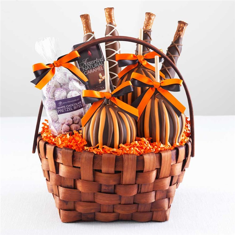 classic-caramel-apple-halloween-basket-1930445