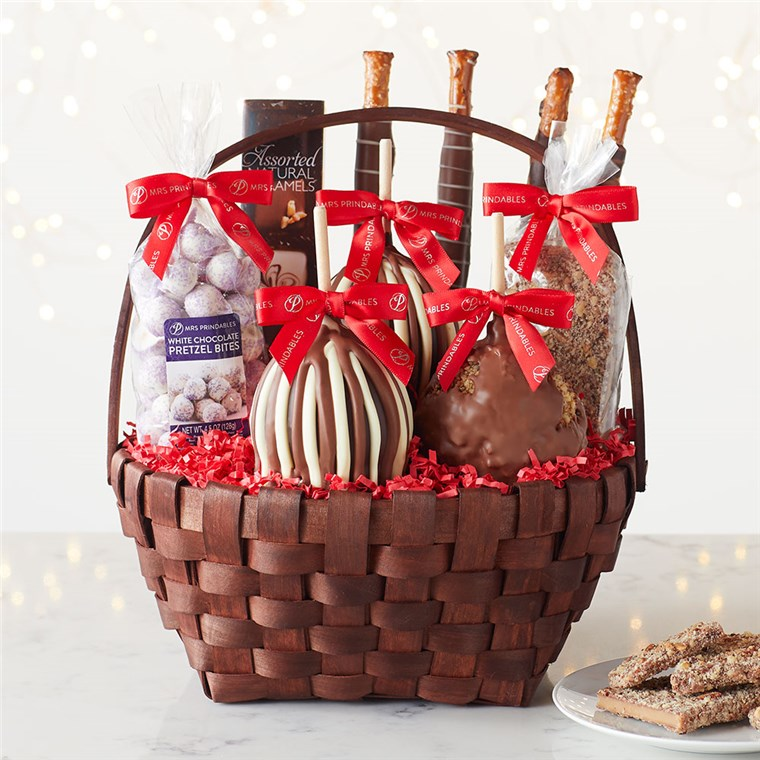 classic-deluxe-holiday-caramel-apple-gift-basket-1930410