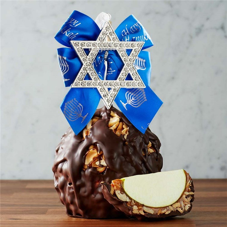 dark-chocolate-cashew-star-of-david-jumbo-caramel-apple-gift-199-DCCSH-17F05