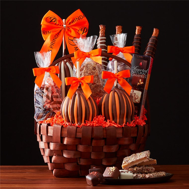 grand-halloween-caramel-apple-basket-1930448