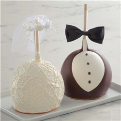 bride-and-groom-jumbo-caramel-apple-gift-set-1931512