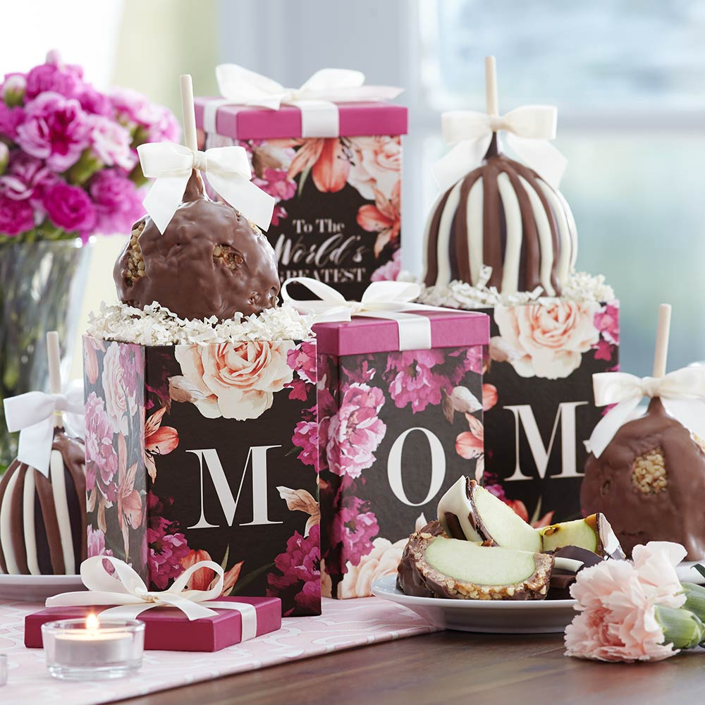 worlds-greatest-mom-petite-caramel-apple-gift-set-1930585